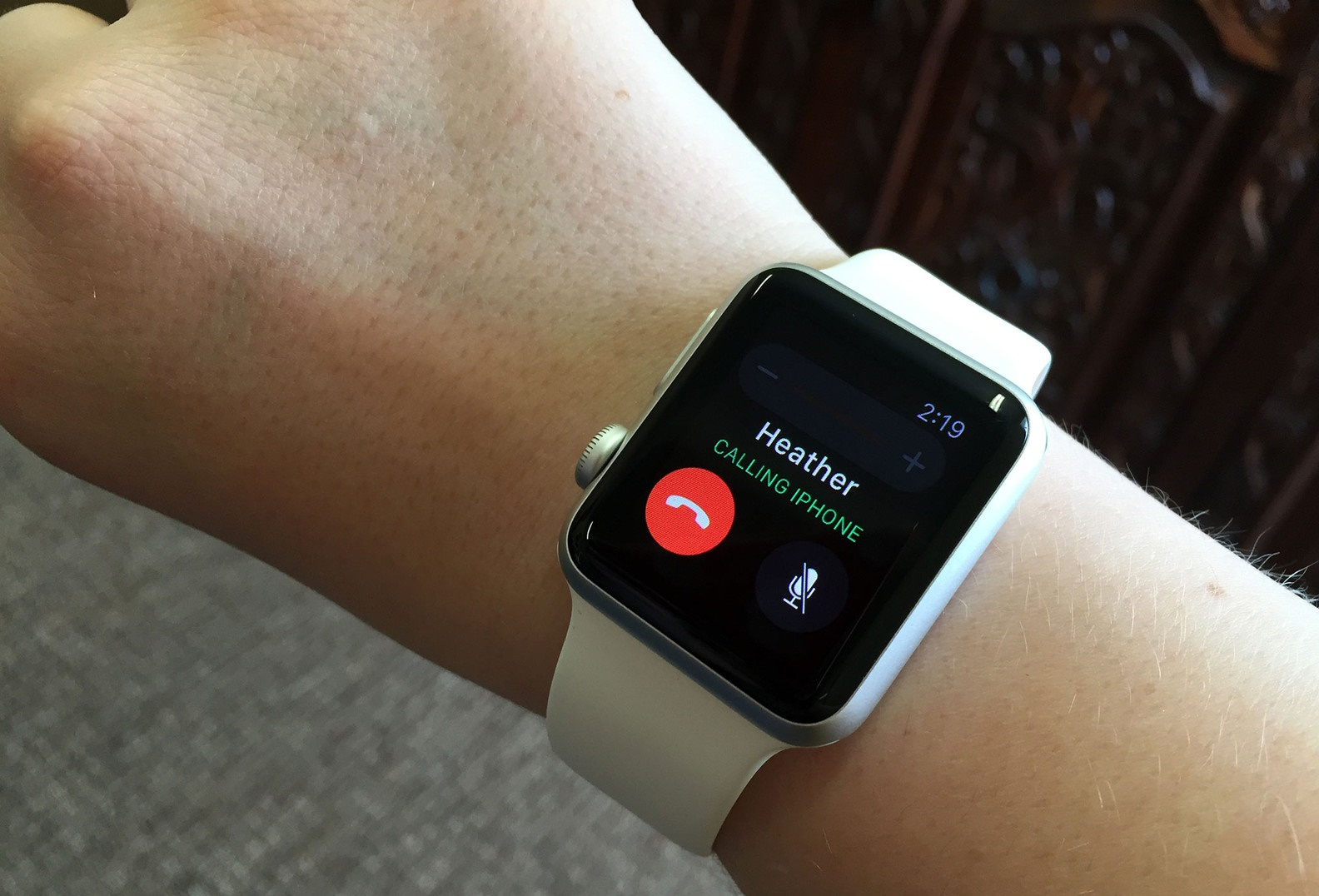 How to make Phone call from Apple Watch