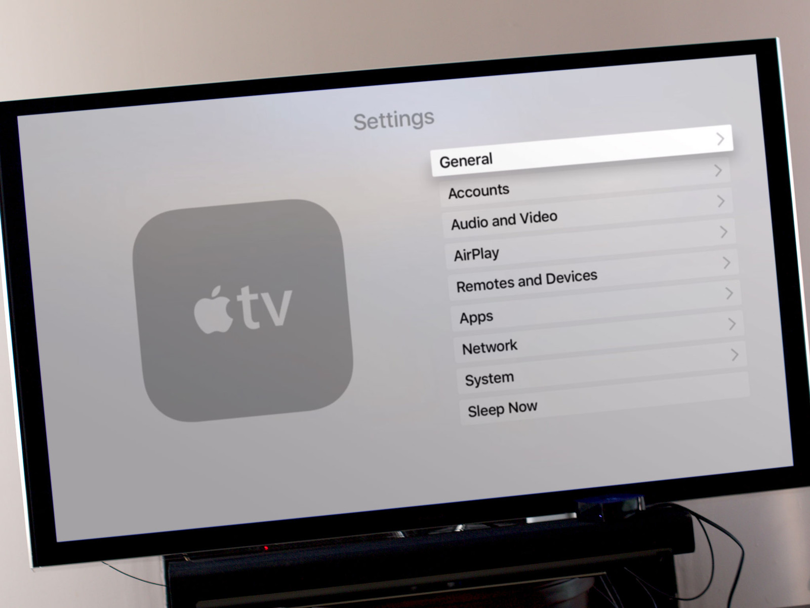 How to rename fourth and third Apple TV