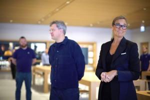 Apple retail head talks at Cannes