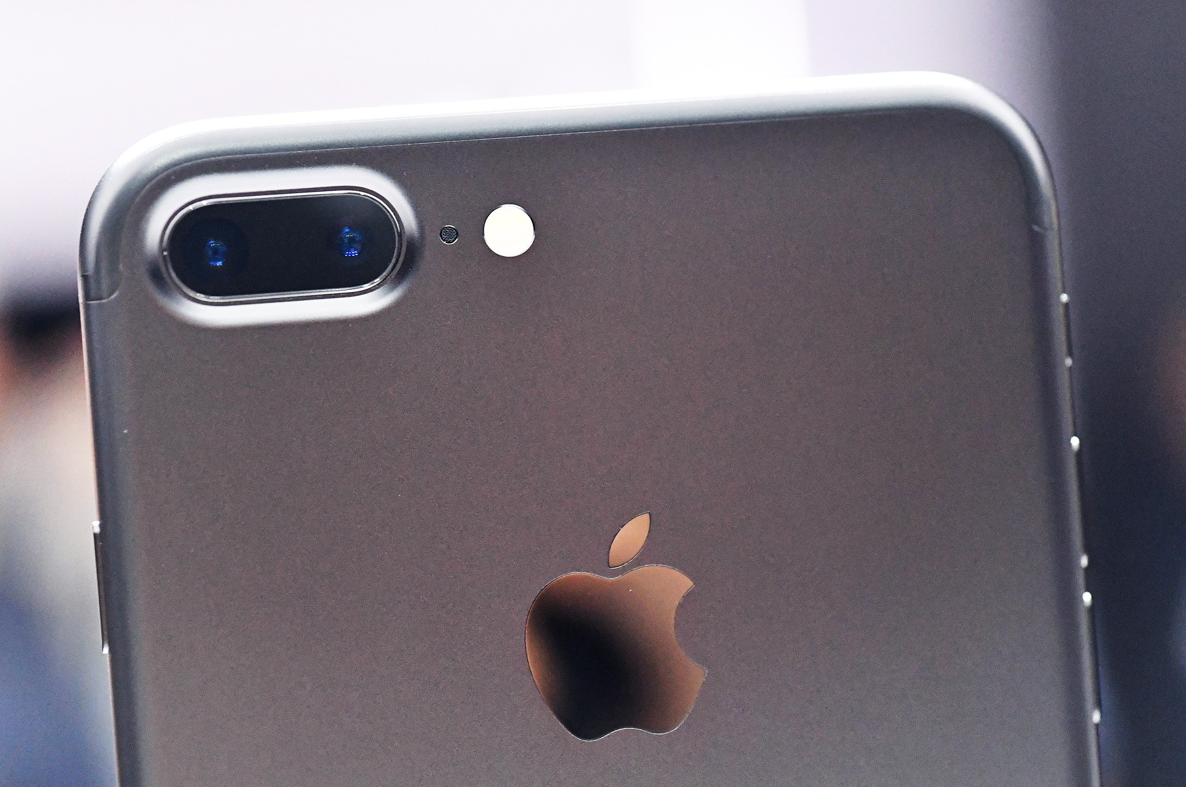 Apple to be pulled into a new lawsuit regarding their Dual-Camera Setup